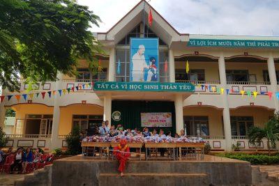 Ngày hội trung thu của các em học sinh trường tiểu học Lê Văn Tám